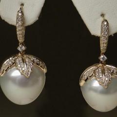 201307121525300.pearl-earrings-37195-full