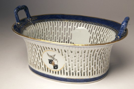 Chinese Export Porcelain Chestnut Basket