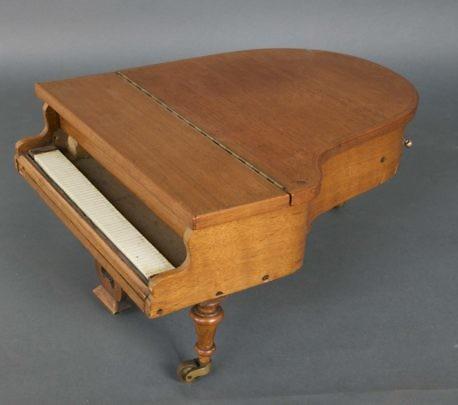 31936 Miniature Piano Music Box_MG_4251
