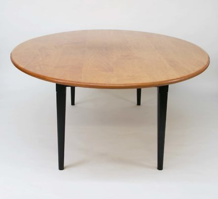 9-4788 Maple Top Dining Table A_MG_4989
