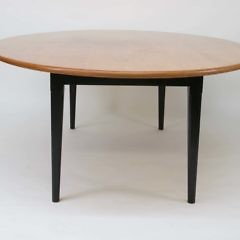 Oval Maple Top Hepplewhite Style Dining Table