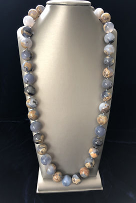 41365 Chalcedony Bead Necklace A IMG_3355