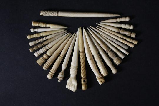 2321-955 25 Ivory Whalebone Bodkins A _MG_0003 3
