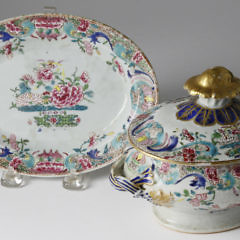 Chinese Export Sauce Tureen Cover and Under Plate, circa 1830