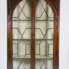 40537 Mahogany Corner Display Cabinet A_MG_2391
