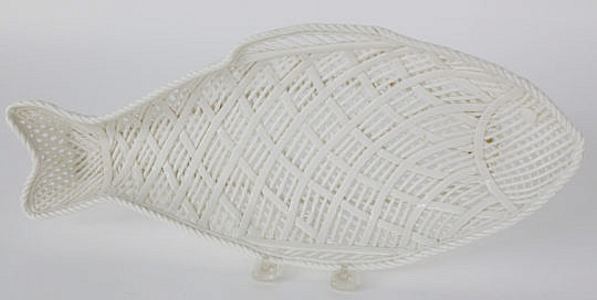 100-4800 Reticulated Porcelain Fish Platter A_MG_3744