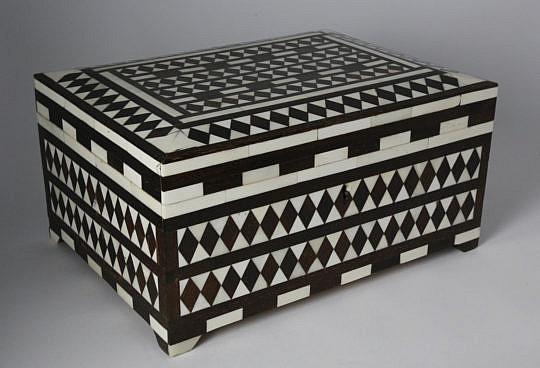 101 Camel Bone and Wood Inlaid Storage Box A_MG_4039