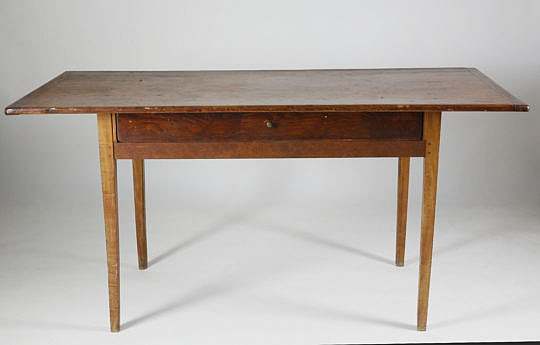 16-4800 One drawer tavern table A_MG_4504