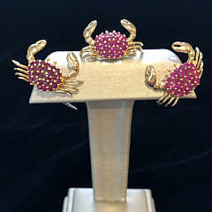 184-4800 ruby crab ear clips IMG_4025