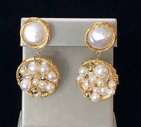 41300-101 fresh water pearl coin earrings A IMG_4045