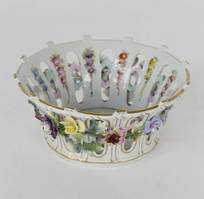 52-4878 French Porcelain Reticulated Basket with Applied Flowers A_MG_3666