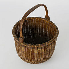 77-621 Antique Round Open Swing Handle Nantucket Basket A_MG_4210