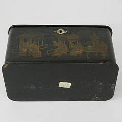 Chinoiserie Lacquer and Gilt Tea Caddy, 19th Century