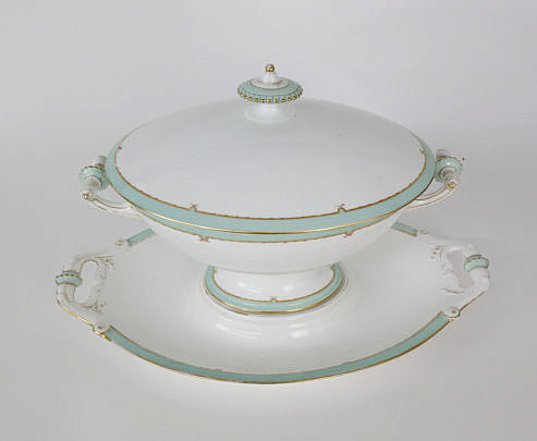 2-4920 Tiffany & Co. Soup Tureen and Under Plate A_MG_5379