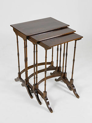 26-4905 Set of 3 Nesting Tables A_MG_4933