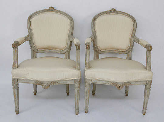 106-4935 Pair of Swedish Louis XVI Open Armchairs A_MG_7714