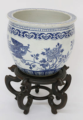114-4935 Porcelain Jardinier on Teakwood stand A_MG_7591