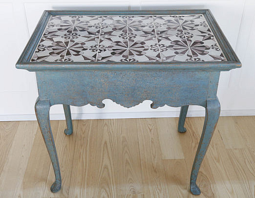 34-4935 Queen Anne Style Tile Top Serving Table A_MG_7296