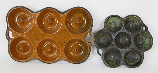60-4935 Two Vintage Ceramic Muffin Molds A_MG_8057