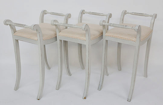 99-4935 Set of 3 upholstered stools A_MG_7563