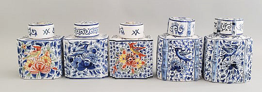32-4898 5 Pottery Tea Caddies A