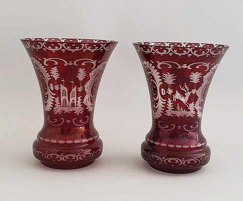 335-4621 Ruby Glass Vases A