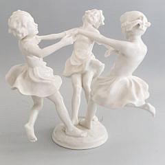 Antique Hutschenreuther Kunstabteilung German Porcelain Figurine