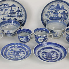 Six Assembled Canton Blue and White Cups and Saucers, mid 19th century