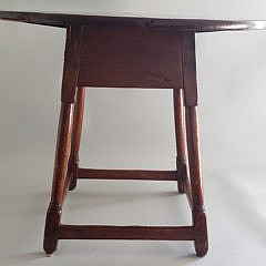 18th Century American Pine Oval Tavern Table