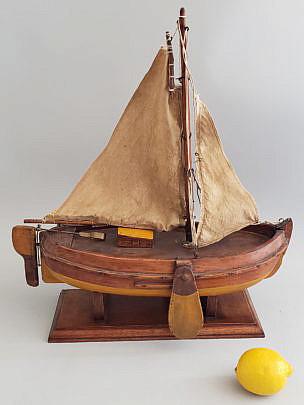 18-4934-Sailboat Model A
