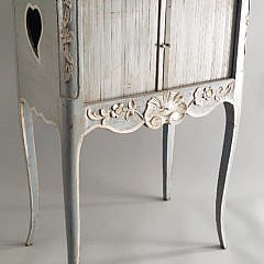 3-4394 White Washed Stand A