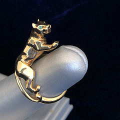 Cartier 18K Yellow Gold Leopard Ring with Emerald Eyes