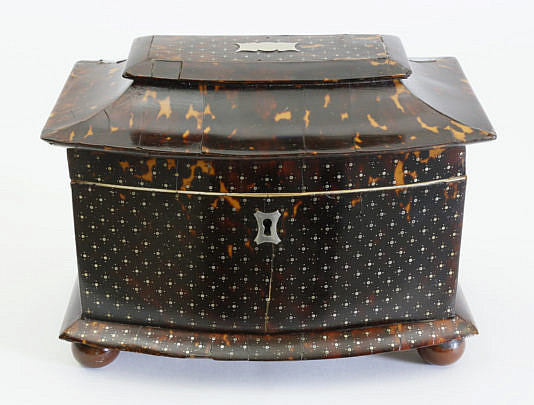 423-3771 Tortoiseshell Silver Pique Tea Caddy A_MG_1429