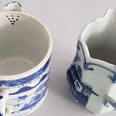 Chinese Export Porcelain Canton Covered Tea Pot and Creamer, 19th Century
