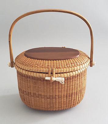4-4961Sylvia Nantucket Friendship Basket A
