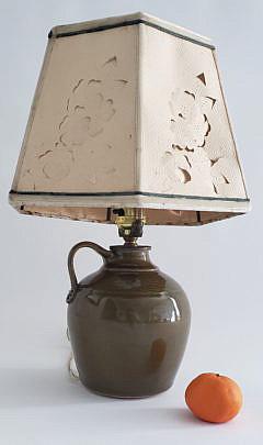 5-4942 Pottery Lamp A