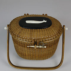 Sherwin Boyer Oval Nantucket Friendship Basket with Carved Charlie Sayle Whale on Ebony Lid