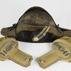 10-5020 Navy Epaulets and Hat A_MG_5537